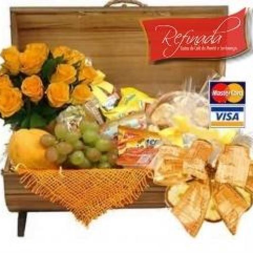 BAÚ com 12 Rosas R$ 279,00