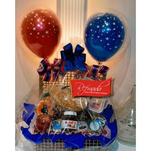 Cesta de Aniversário Com Balão Luxo R$ 289,00
