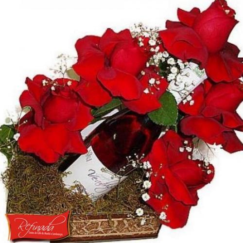 Bandeja de Vinho e Rosas R$ 159,00
